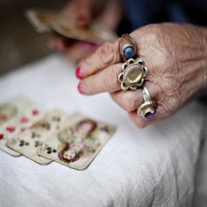Aprende a hacer preguntas que obtienen el resultado ideal de la lectura de tarot